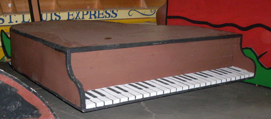 charlie brown Schroeder's Piano