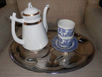 Driving Miss Daisy tea set carafe steel plate china cups saucers