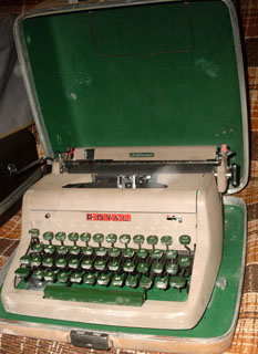 How to Succeed in Business Typewriter - Royal Aristocrat