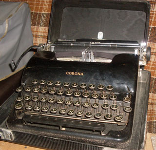 How to Succeed in Business Typewriter - Corona Silent