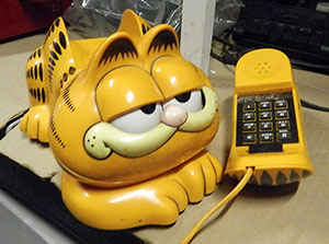 garfield phone telephone corded yellow