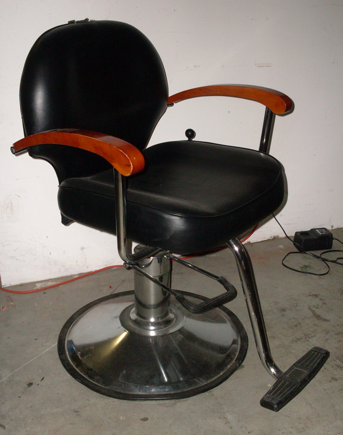 Grease Barber chair black