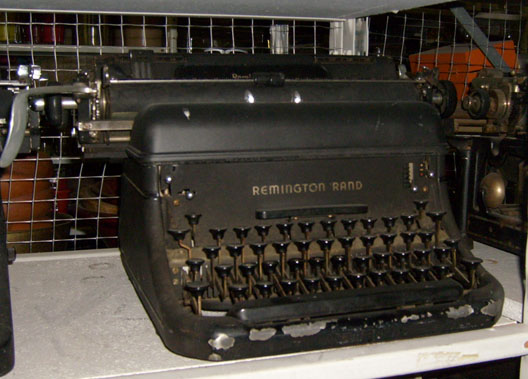 Remington Rand Manual black - 1930's to 1940's typewriter