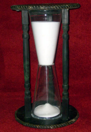 Wizard of Oz Hourglass black